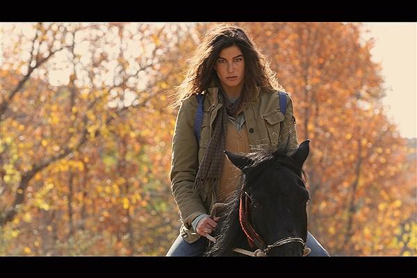 عکس بازیگر ترکیه ای ایزل