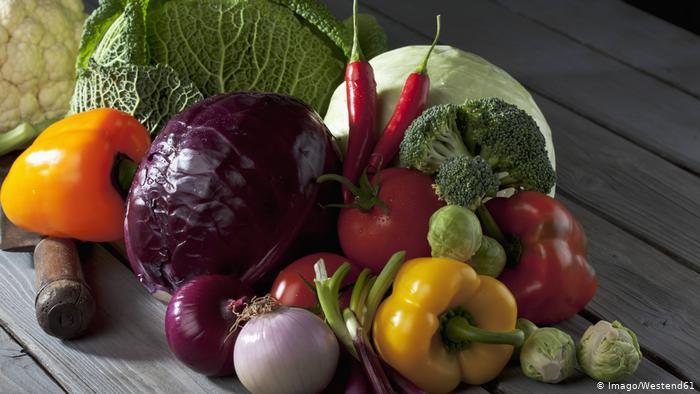 این مواد غذایی را حتما خام مصرف کنید!